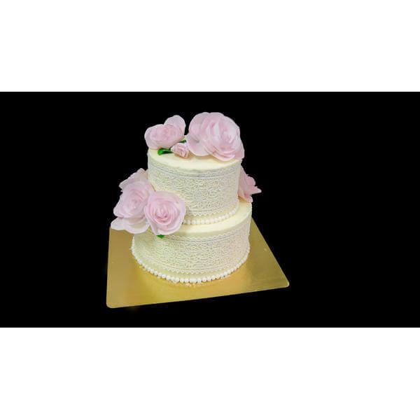 Нежный торт с розами