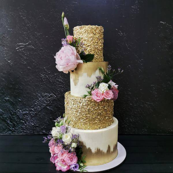 Торт Золотой с цветами